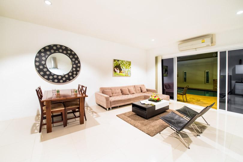 Pool villa livingroom